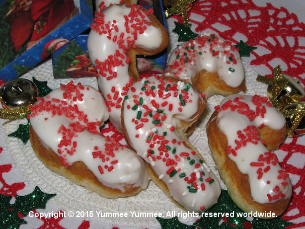 Candy Cane Donuts - Christmas morning never tasted so sweet.